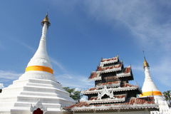 Wat Phrathat Doi Gongmoo, Mae Hong Son, Tailândia imagens de stock
