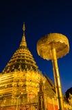 Wat Phrathat Doi Suthep At natt, Chiangmai, Thailand Arkivbilder