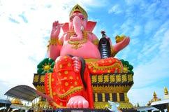 Wat Phrong Akat bei Chachoengsao, Thailand Lizenzfreies Stockbild