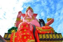 Wat Phrong Akat bei Chachoengsao, Thailand Lizenzfreie Stockfotos