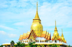 Wat Phrong Akat på Chachoengsao, Thailand Arkivfoto
