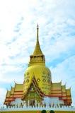 Wat Phrong Akat på Chachoengsao, Thailand Royaltyfria Bilder