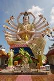 Wat Plai Laem寺庙和18只手观音工业区或在酸值苏梅岛海岛上的观世音菩萨雕象在泰国 库存图片