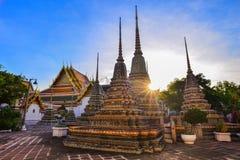 Wat Po komplex för buddistisk tempel i Phraen Nakhon Fotografering för Bildbyråer