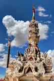 Wat Pong Sanuk Temple arkivbild