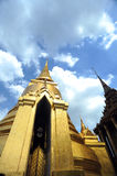 Wat Pra Kaeo Front Golden Pagoda Royalty Free Stock Photos