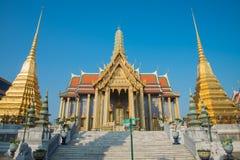 Wat Pra Kaew den storslagna slotten, blå himmel, Thailand Royaltyfri Bild