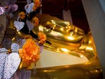 Wat Pranonjaksi, Bouddha étendu, Singburi, Thaïlande photos stock