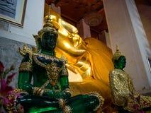 Wat Pranonjaksi som vilar Buddha, Sing Buri, Thailand Arkivfoto