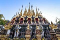 Wat Prathatsuthone, Phare 图库摄影
