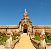Wat Prattat Lumpang Luang 免版税库存图片