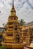 Wat Preah Prom Rath em Siem Reap, Angkor, Camboja foto de stock royalty free