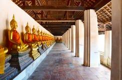 Wat Puttaisawan菩萨雕象在阿尤特拉利夫雷斯,泰国 库存照片