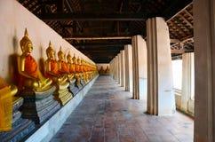 Wat Puttaisawan菩萨雕象在阿尤特拉利夫雷斯,泰国 图库摄影