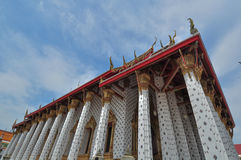 Wat Rakhangkhositraram Woramahavihan, Banguecoque Tailândia Fotos de Stock
