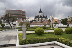 Wat Ratchanadda and the Loha Prasat temple, Bangkok Stock Photo