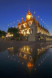 Wat Ratchanadda Reflaction Landmark de Bangkok image stock