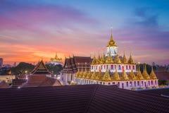 Wat Ratchanadda y Wat Saket en Bangkok Tailandia imagenes de archivo