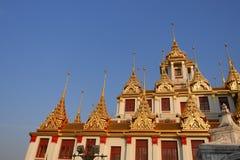 Wat Ratchanatdaramn Bangkok, Thailand Arkivfoton