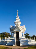 Wat Rong Khun, белая архитектура виска в Таиланде стоковое изображение