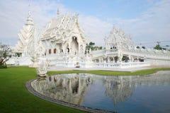 Wat Rong Khun (белый висок) около Чиангмая в раннем утре Таиланд Стоковое Изображение RF