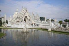 Wat Rong Khun (белый висок) около Чиангмая Таиланд Стоковое Изображение