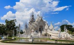 Wat Rong Khun em reparar a situação imagens de stock