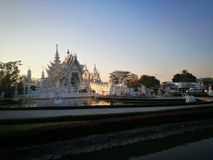 Wat Rong Khun em Tailândia fotografia de stock royalty free
