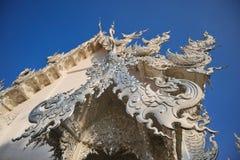 Wat Rong Khun Gable Closed acima foto de stock royalty free