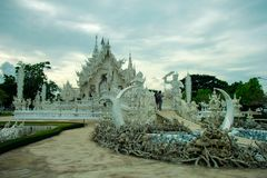 Wat Rong Khun, godsdienst en art. stock afbeelding