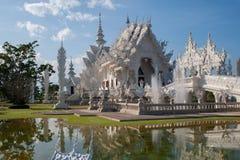 Wat Rong Khun i Chiang Rai, Thailand Arkivbilder