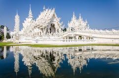 Wat Rong Khun tempel i Chiang Rai, Thailand Arkivbilder