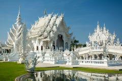 Wat Rong Khun (vit tempel) i Chiang Rai Royaltyfria Foton