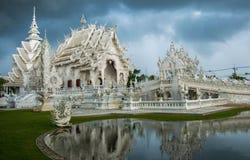 Wat Rong Khun vit tempel i Thailand Royaltyfria Foton
