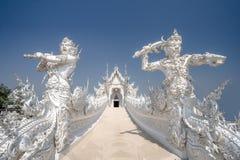Wat Rong Khun Weiß-Tempel Stockbilder