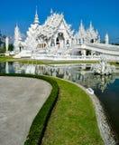 Wat Rong Khun - zadziwiająca biała świątynia w Chiang Raja Obraz Royalty Free