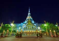 Wat Så-tagg tempel i solnedgången Royaltyfri Bild