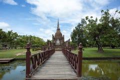 Wat Sa Si i historiska Sukhothai parkerar Royaltyfria Foton