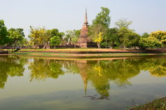 Wat Sa Si i Trakuan Traphang jezioro historyczne park Sukhothai Tajlandia obrazy royalty free