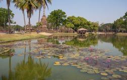 Wat Sa Si Temple in Historisch de Tempelpark van Sukhothai, Sukhothai, Thailand royalty-vrije stock foto