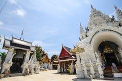 Wat Sanpa Yang Luang Lamphun, Thailand royaltyfria foton