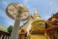 Wat Sanpa Yang Luang Lamphun, Thailand fotografering för bildbyråer
