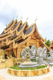 Wat Sanpa Yang Luang, templo tailandés en Lamphun Tailandia Imagenes de archivo