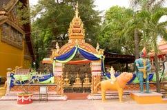 Wat Si Muang или Simuong буддийский висок расположенный в Вьентьян, столица Лаоса стоковые фотографии rf