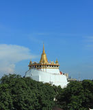 Wat siamesischer goldener Berg Lizenzfreies Stockbild
