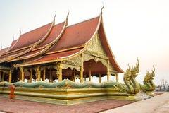 Wat Sirindhornwararam;惊人的寺庙在泰国,墙壁 库存照片