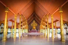 Wat Sirindhornwararam;惊人的寺庙在泰国,墙壁 免版税库存图片