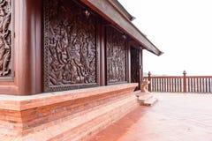 Wat Somdej Phu Ruea Ming Muang - de nieuwe tempel in Thailand stock afbeeldingen