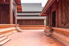 Wat Somdej Phu Ruea Ming Muang - de nieuwe tempel in Thailand royalty-vrije stock afbeeldingen