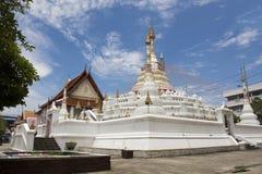 Wat Songtham Worawihan на Amphoe Phra Pradaeng в Samut Prakan, Таиланде стоковая фотография rf